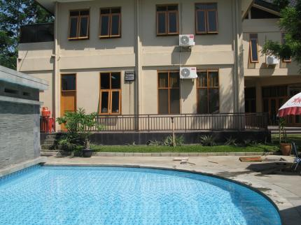 Ahadiat Hotel & Bungalow, Bandung - Swimming Pool
