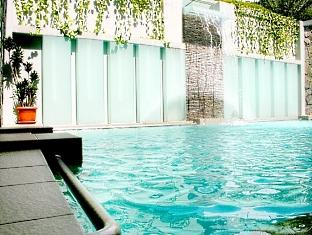 Bilique Hotel, Bandung - Swimming Pool