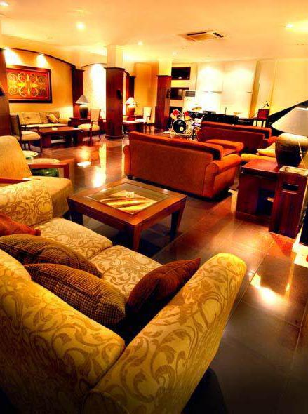 Swiss-Belhotel Borneo - Banjarmasin, Lounge & Bar