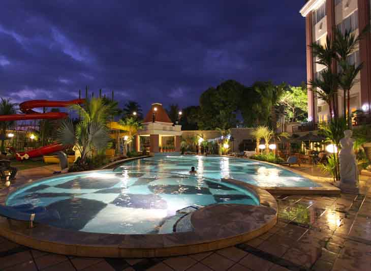 Grand Wahid Hotel Salatiga - Swimming Pool