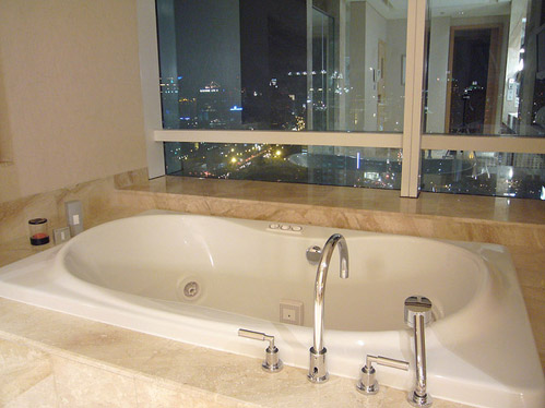 hotel with bathtub in room jakarta - bathtub ideas