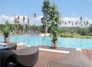 Novotel Manado Hotel - Manado, Swimming Pool