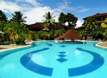 Santika Premiere Seaside Resort - Manado, Swimming Pool