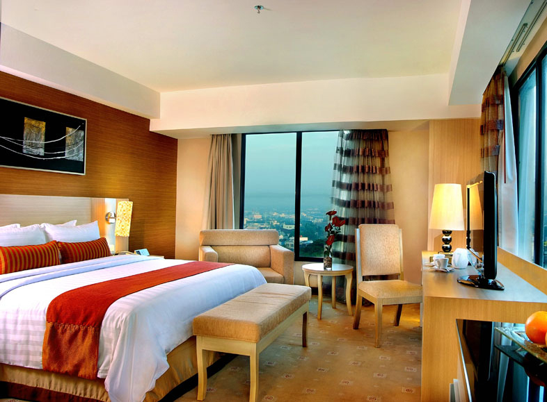 Grand Aston City Hall Hotel and Serviced Residences - Medan, Deluxe Corner Room
