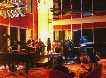 Grand Swiss-Belhotel - Medan, The View Music Lounge and Bar