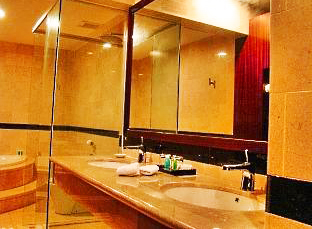 Aston Jayapura HOtel & Convetion Center - Papua, Bathroom