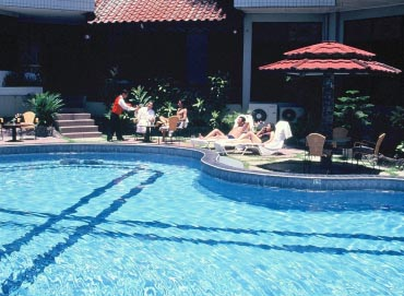 Dyan Graha Hotel - Pekanbaru, Swimming Pool