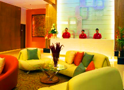 Ibis Hotel - Solo, Lobby and Lounge