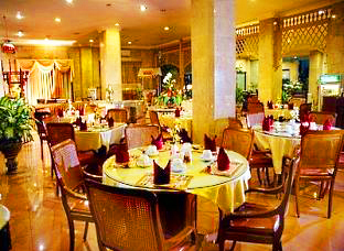 Indah Palace Hotel - Solo, Restaurant