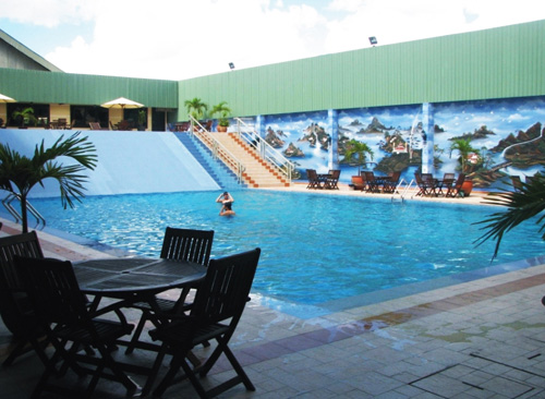 Bumi Senyiur Hotel - Samarinda, Swimming Pool